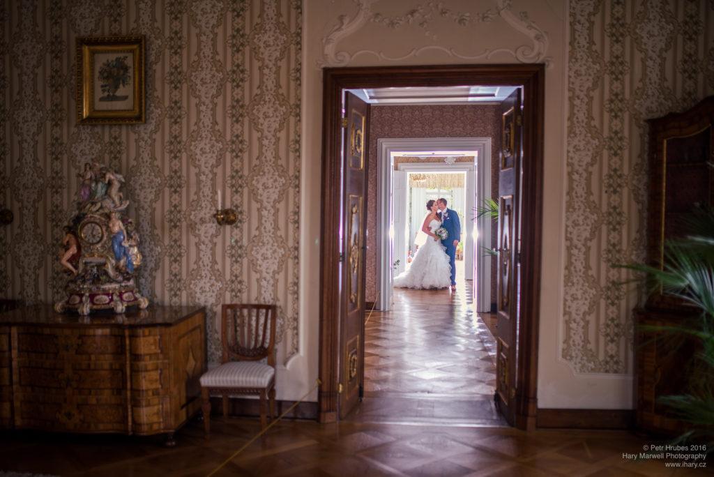 0083-svatebni-fotograf-wedding-hary-marwell-petr-hrubes-lenk-5533