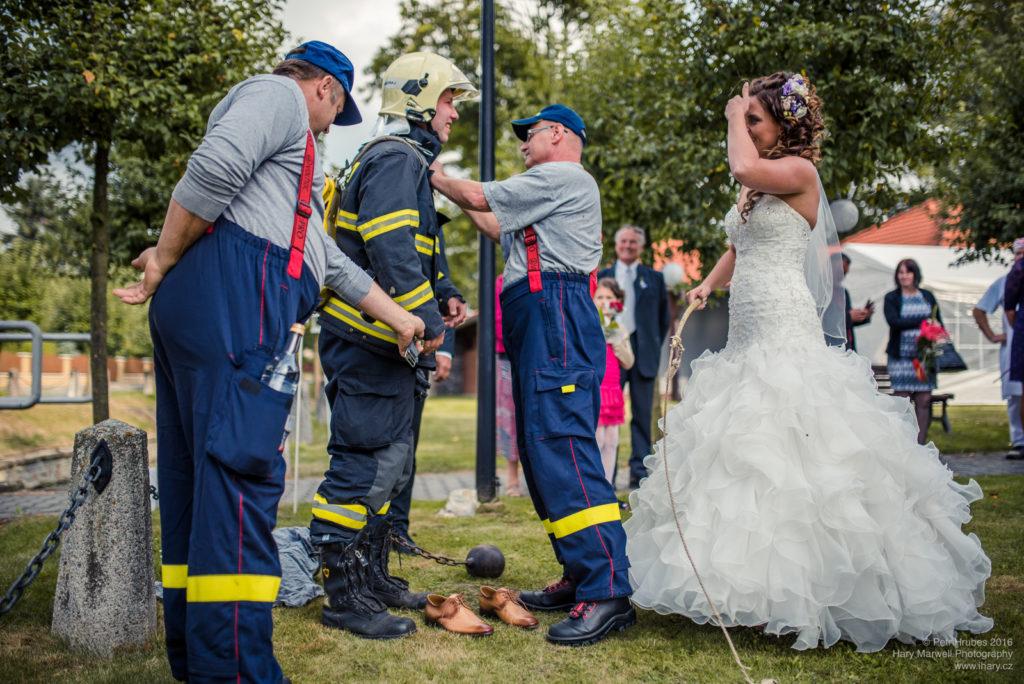 0089-svatebni-fotograf-wedding-hary-marwell-petr-hrubes-lenk-5737