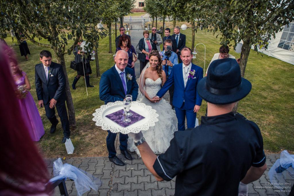 0097-svatebni-fotograf-wedding-hary-marwell-petr-hrubes-lenk-1049